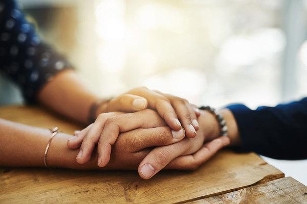 HOLDING-HANDS-COMFORT-MIN__thumb